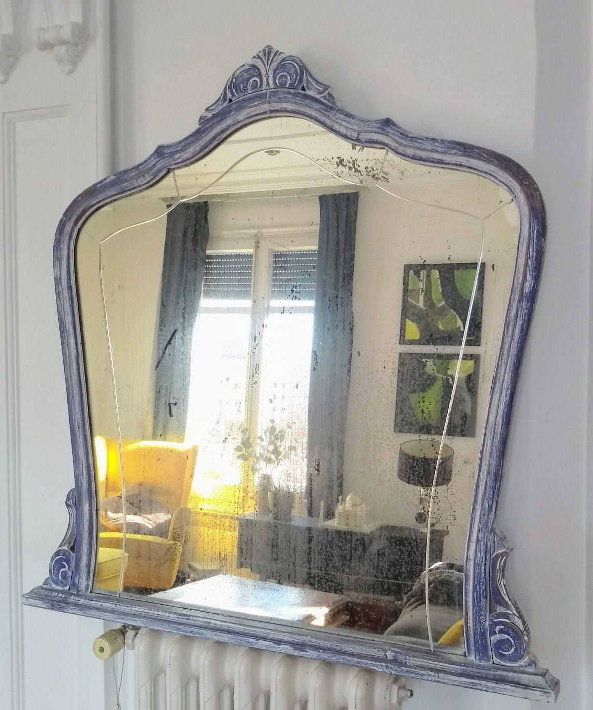 Espejo lila decapado
